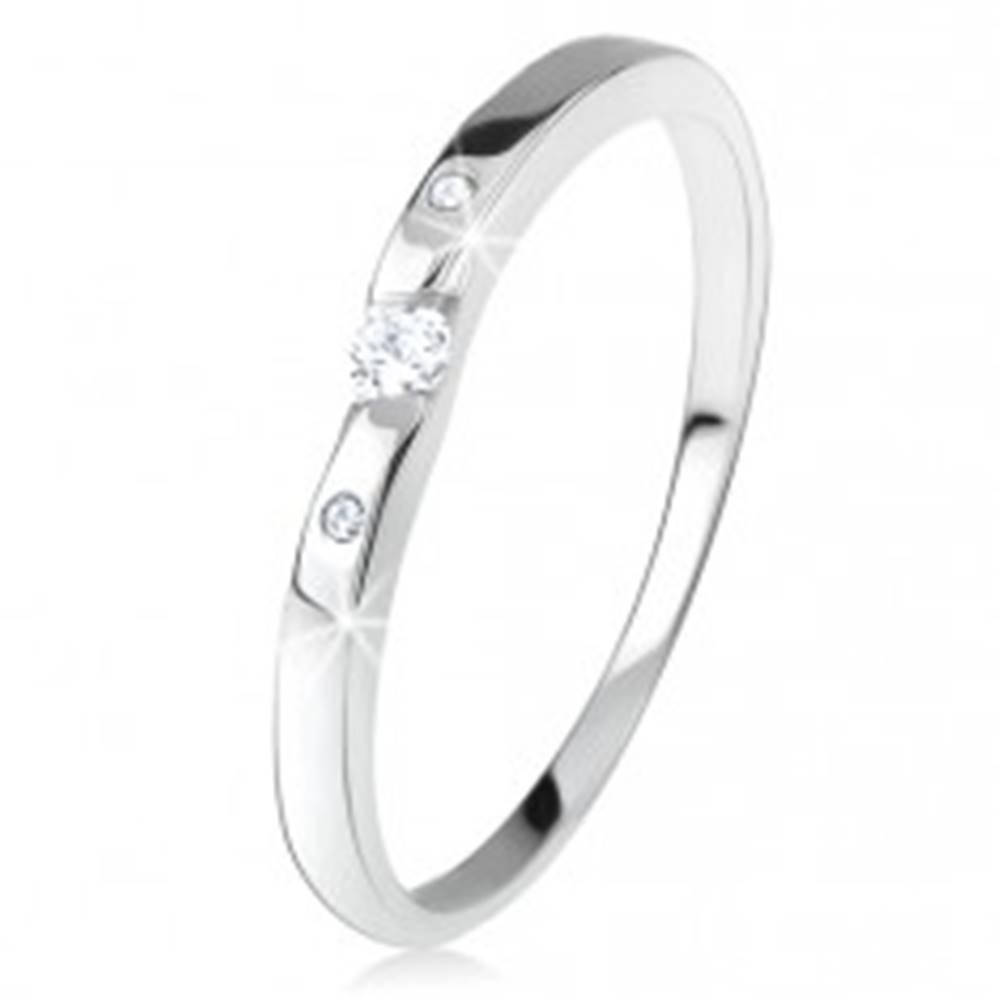 Šperky eshop Lesklá obrúčka s čírymi zirkónmi, zakrivené ramená, zo striebra 925 - Veľkosť: 47 mm