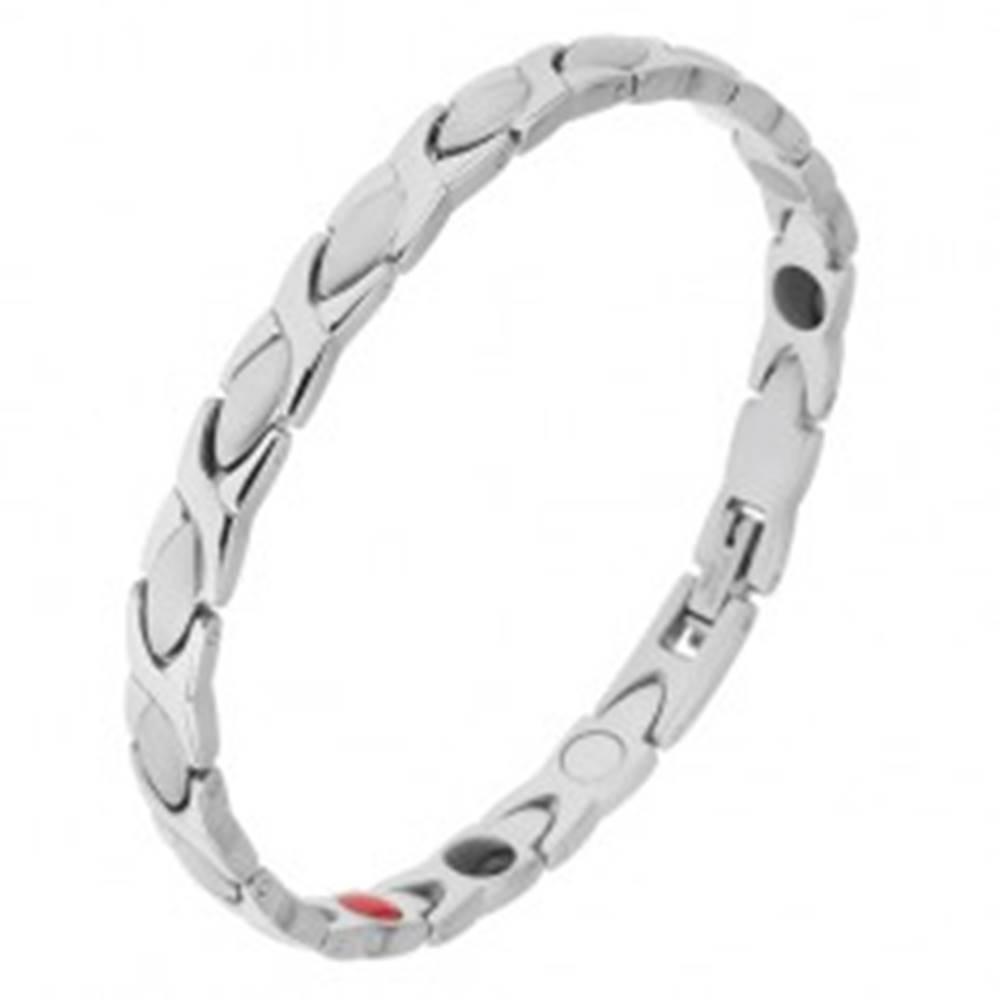 Šperky eshop Náramok z ocele striebornej farby, lesklé a matné články, magnety
