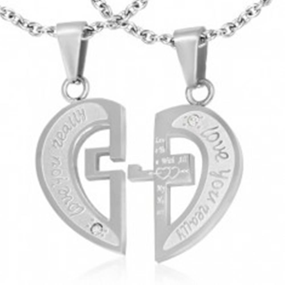 Šperky eshop Oceľový dvojprívesok striebornej farby, rozpolené srdce, nápisy, kríž, zirkóny