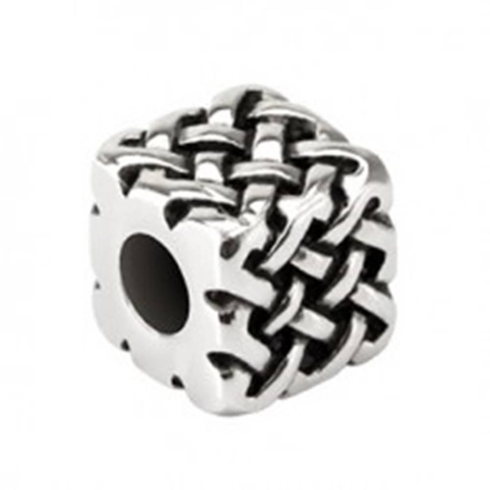 Šperky eshop Prívesok z chirurgickej ocele - patinovaná kocka s pleteným vzorom