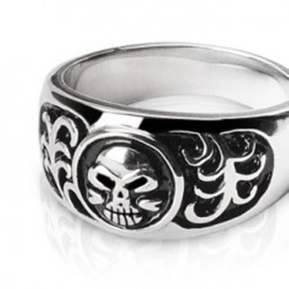 Šperky eshop Prsteň z chirurgickej ocele - zubatá lebka a ornamenty - Veľkosť: 58 mm