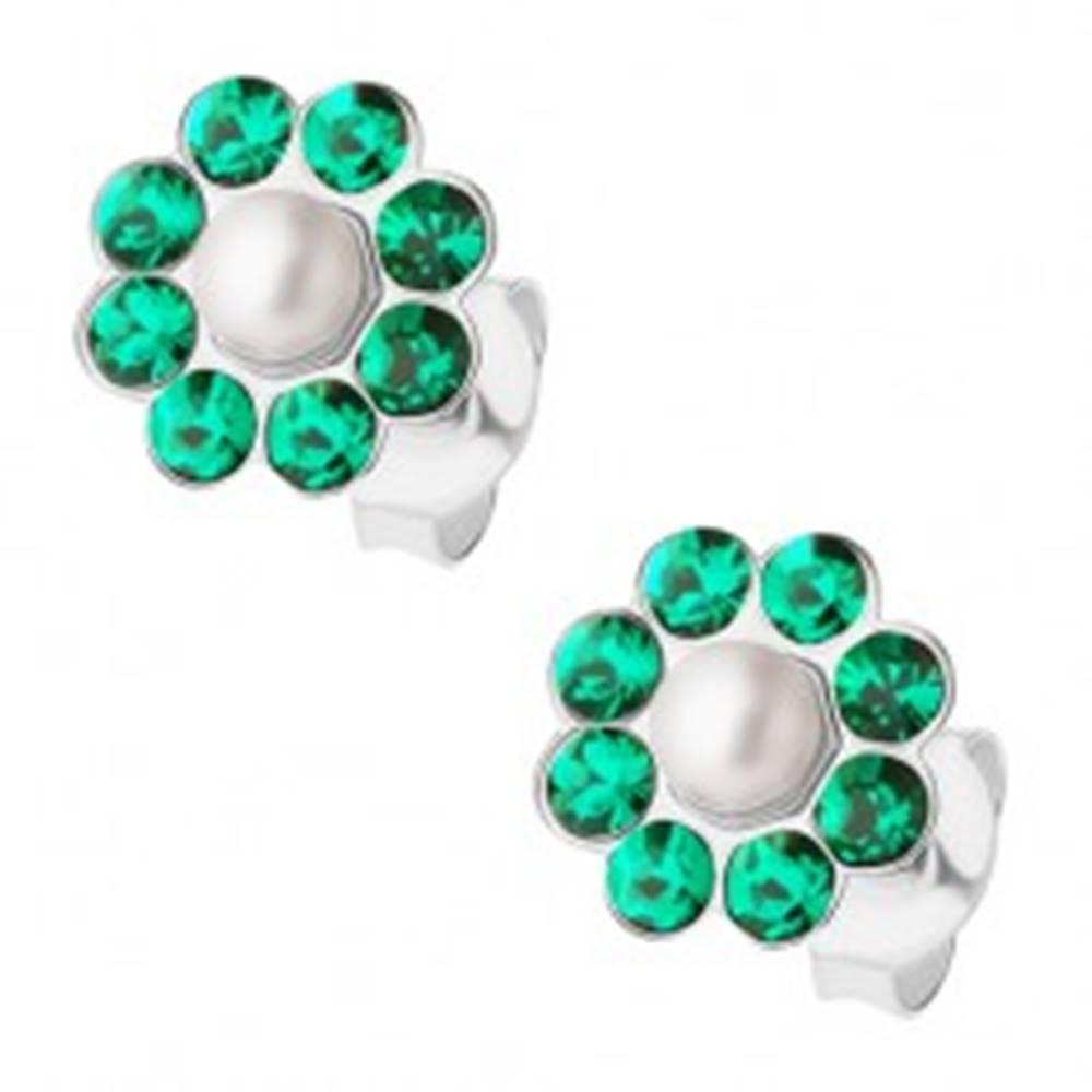 Šperky eshop Puzetové náušnice - striebro 925, kvet s perličkou a zelenými krištálmi Preciosa
