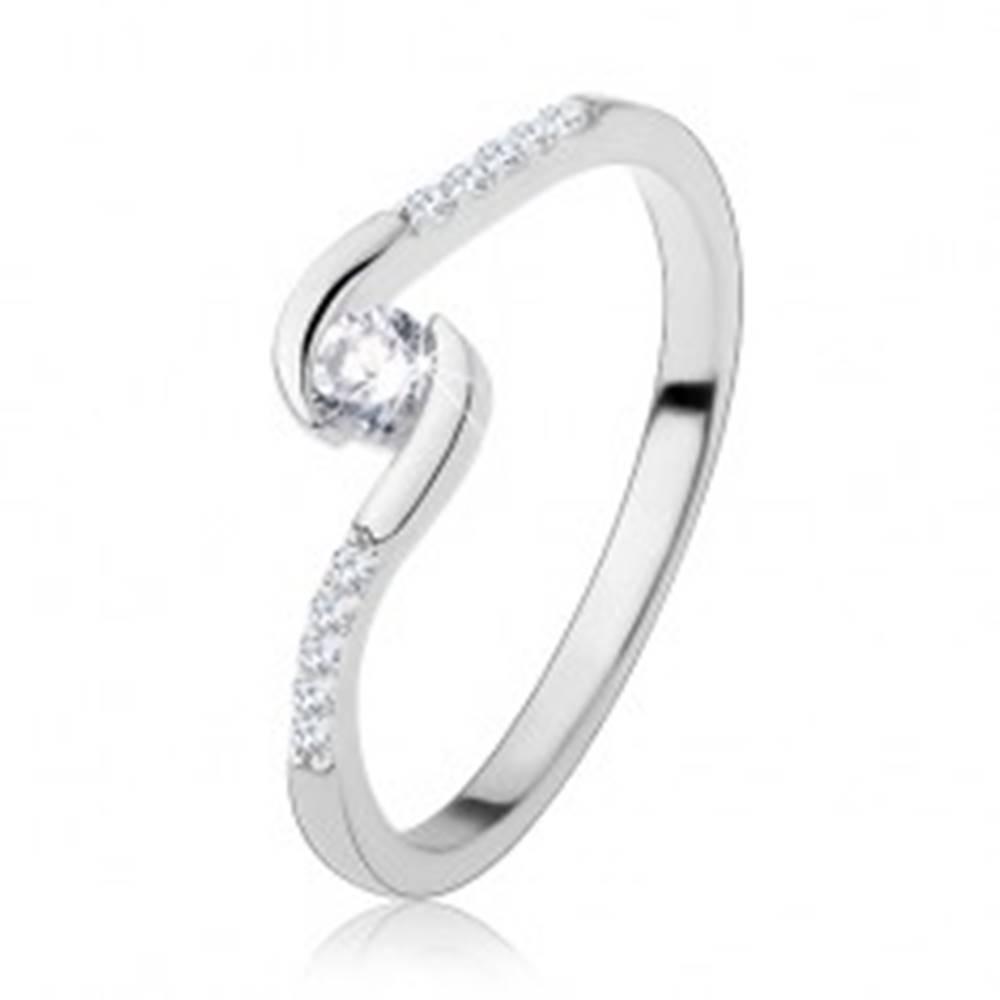 Šperky eshop Zásnubný prsteň, striebro 925, úzke ramená, číry okrúhly zirkón - Veľkosť: 48 mm