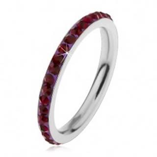 Prsteň z ocele 316L v striebornom odtieni, zirkóny tmavofialovej farby - Veľkosť: 49 mm