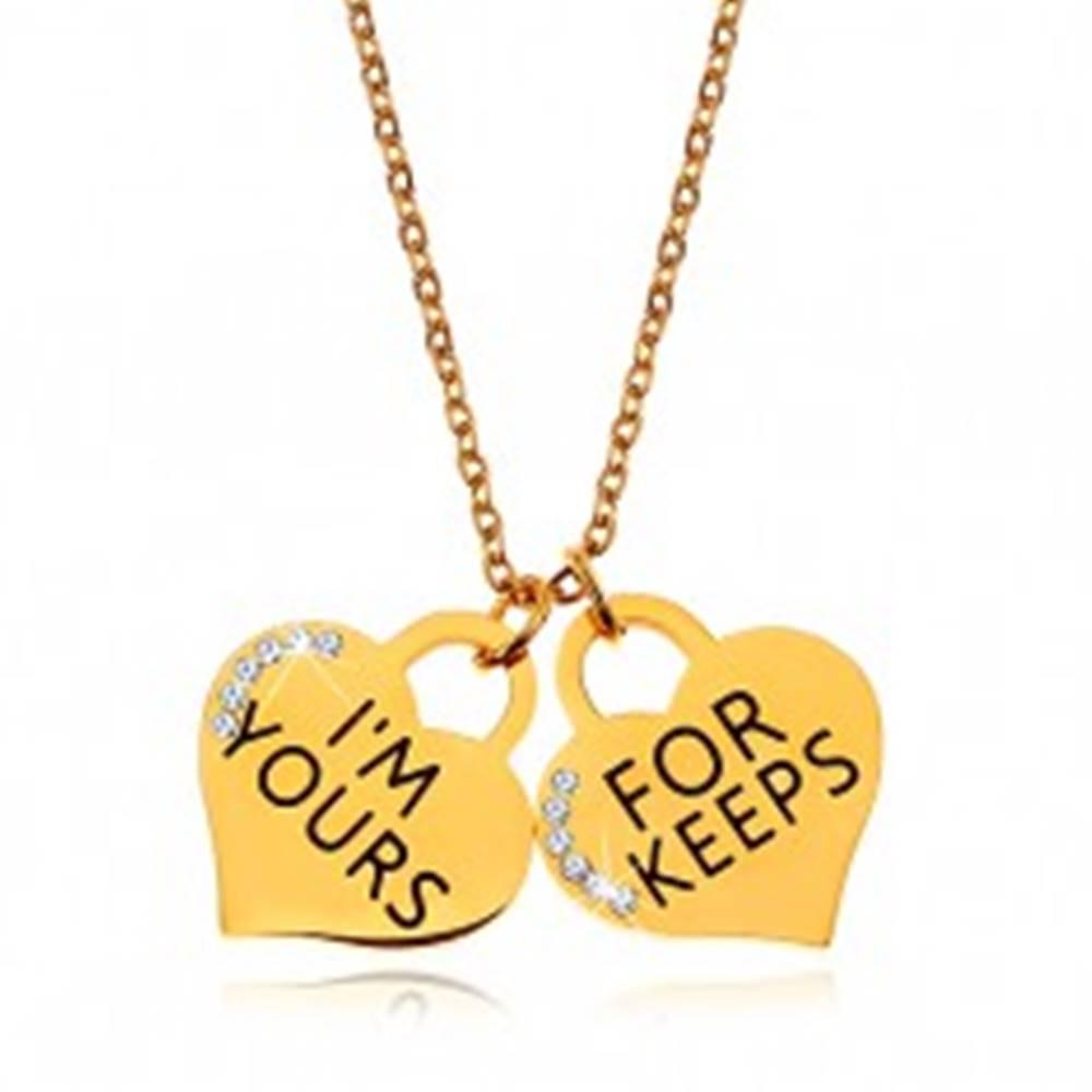 Šperky eshop Oceľový náhrdelník zlatej farby, dva srdiečkové prívesky s nápismi a zirkónikmi