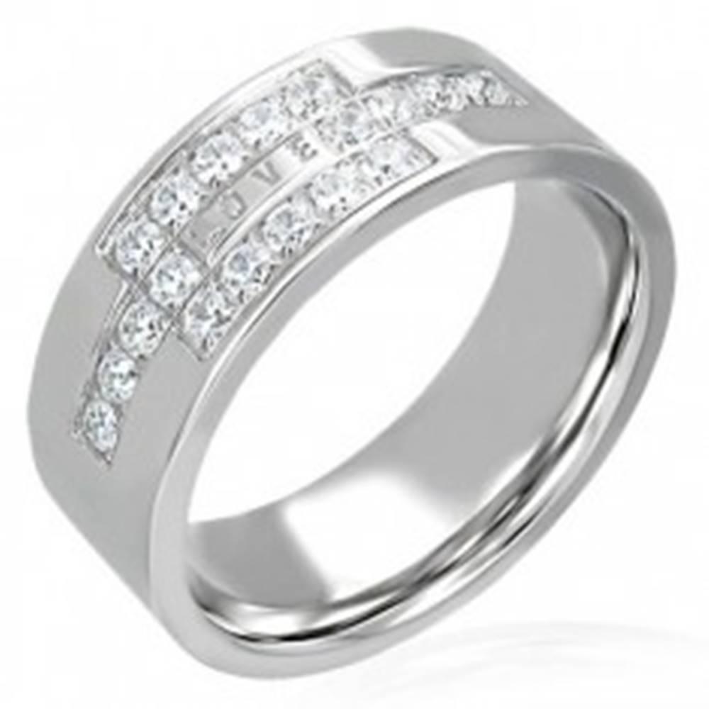 Šperky eshop Oceľový prsteň so zirkónmi a nápisom LOVE - Veľkosť: 49 mm