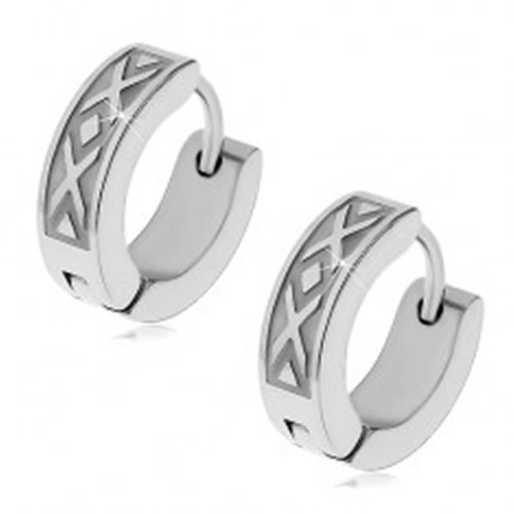 Šperky eshop Okrúhle náušnice z chirurgickej ocele, vzor prekrížených línií
