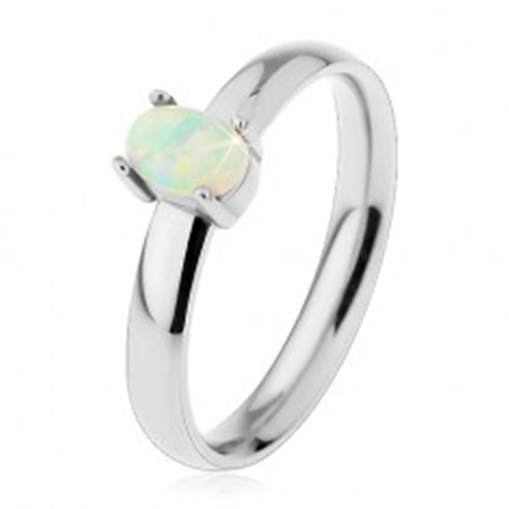 Šperky eshop Prsteň z ocele 316L v striebornom odtieni, oválny syntetický opál v kotlíku - Veľkosť: 49 mm