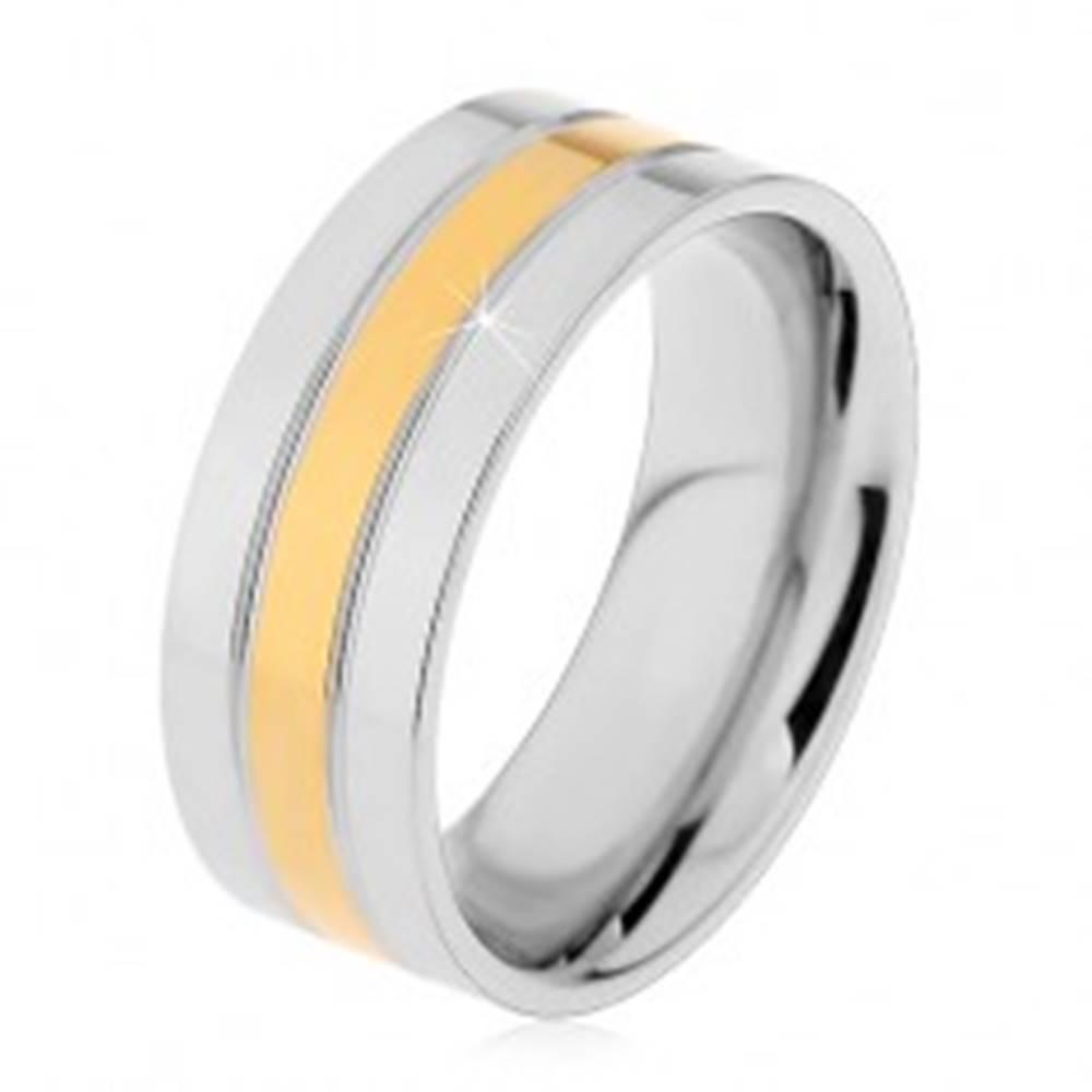 Šperky eshop Prsteň z ocele 316L strieborno-zlatej farby - tri lesklé pásy, 8 mm - Veľkosť: 57 mm