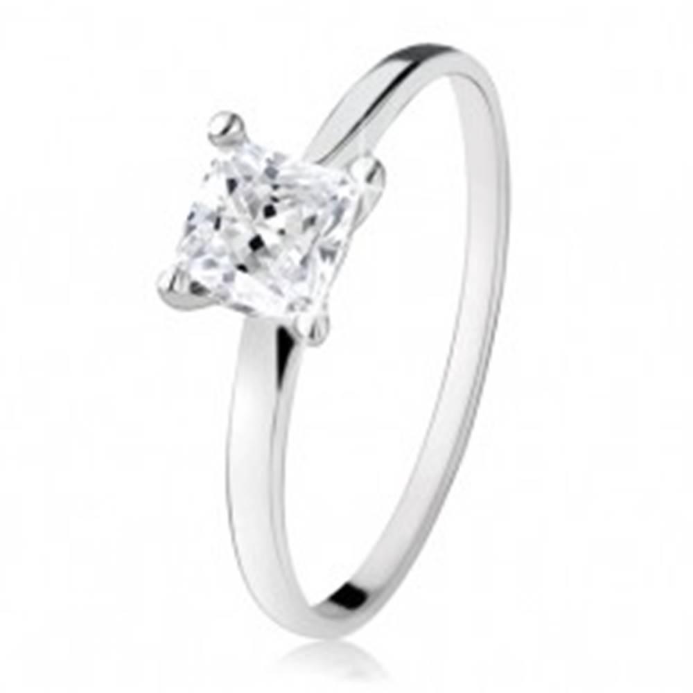 Šperky eshop Zásnubný prsteň zo striebra 925, zirkónový štvorec, úzke ramená - Veľkosť: 49 mm