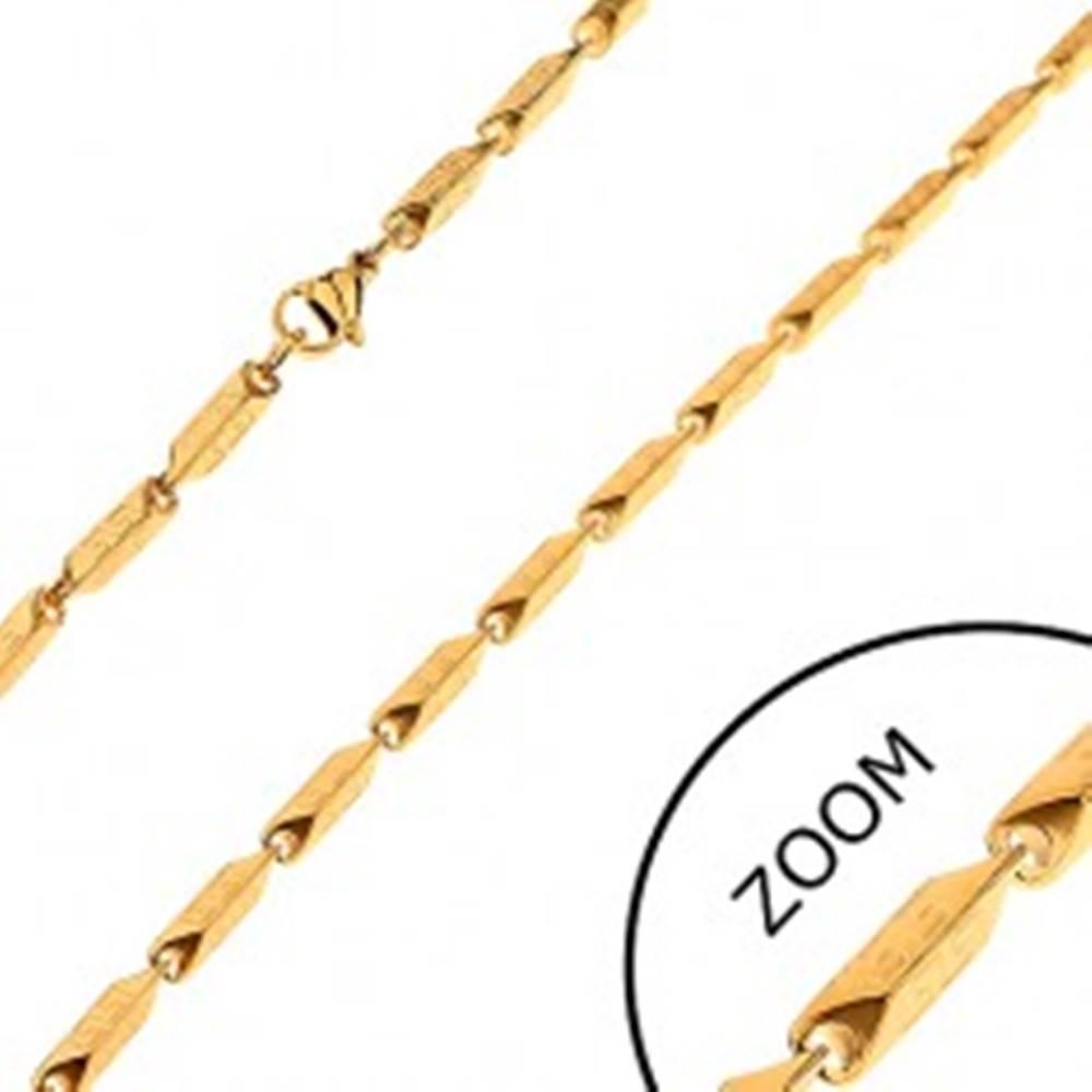 Šperky eshop Oceľová retiazka zlatej farby - širšie hranaté články s gréckym motívom, 3 mm