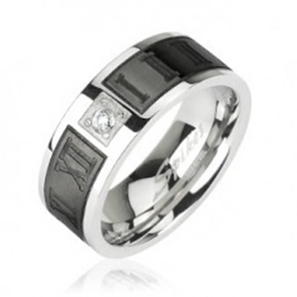 Šperky eshop Prsteň z chirurgickej ocele - rímske čislice a zirkón v strede - Veľkosť: 49 mm