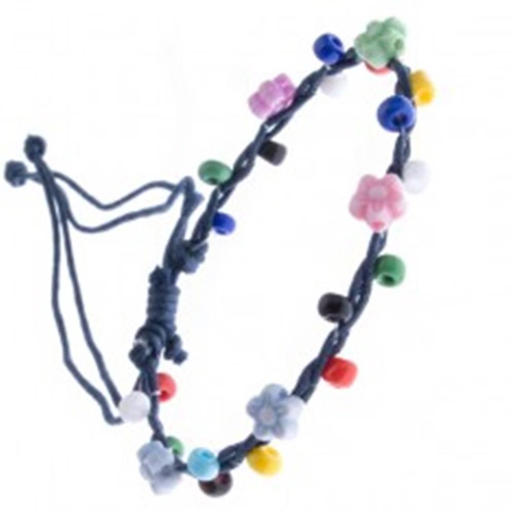 Šperky eshop Šnúrkový náramok - tmavomodrý s farebnými korálikmi, kvietky