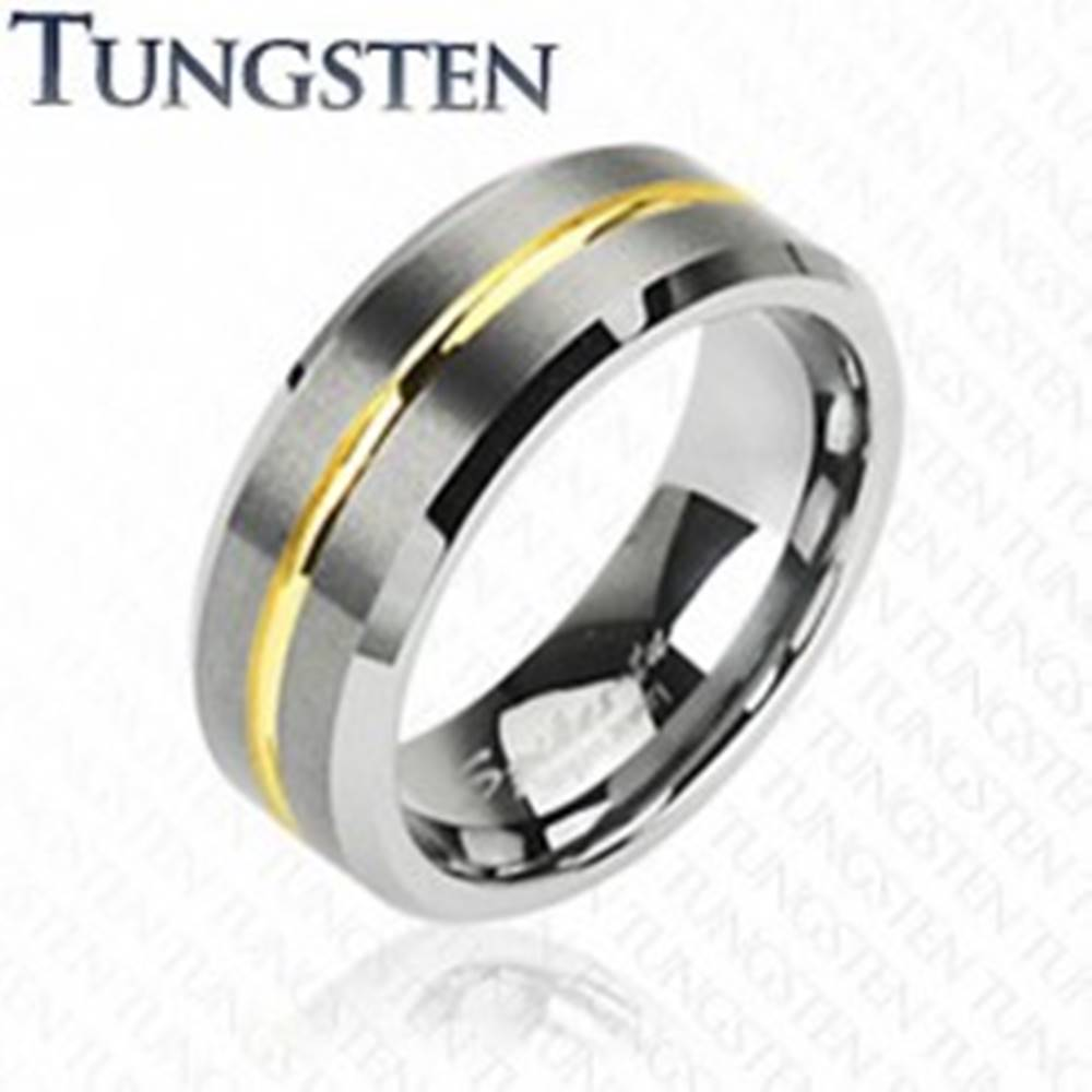 Šperky eshop Tungstenový prsteň s pruhom v zlatej farbe, 8 mm - Veľkosť: 49 mm
