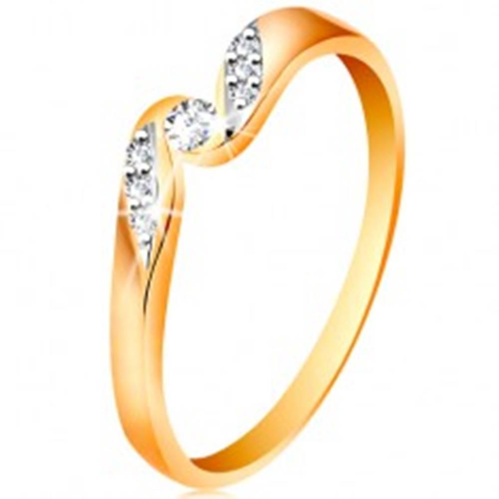Šperky eshop Zlatý prsteň 585 - číry zirkón medzi koncami ramien, drobné zirkóniky - Veľkosť: 48 mm