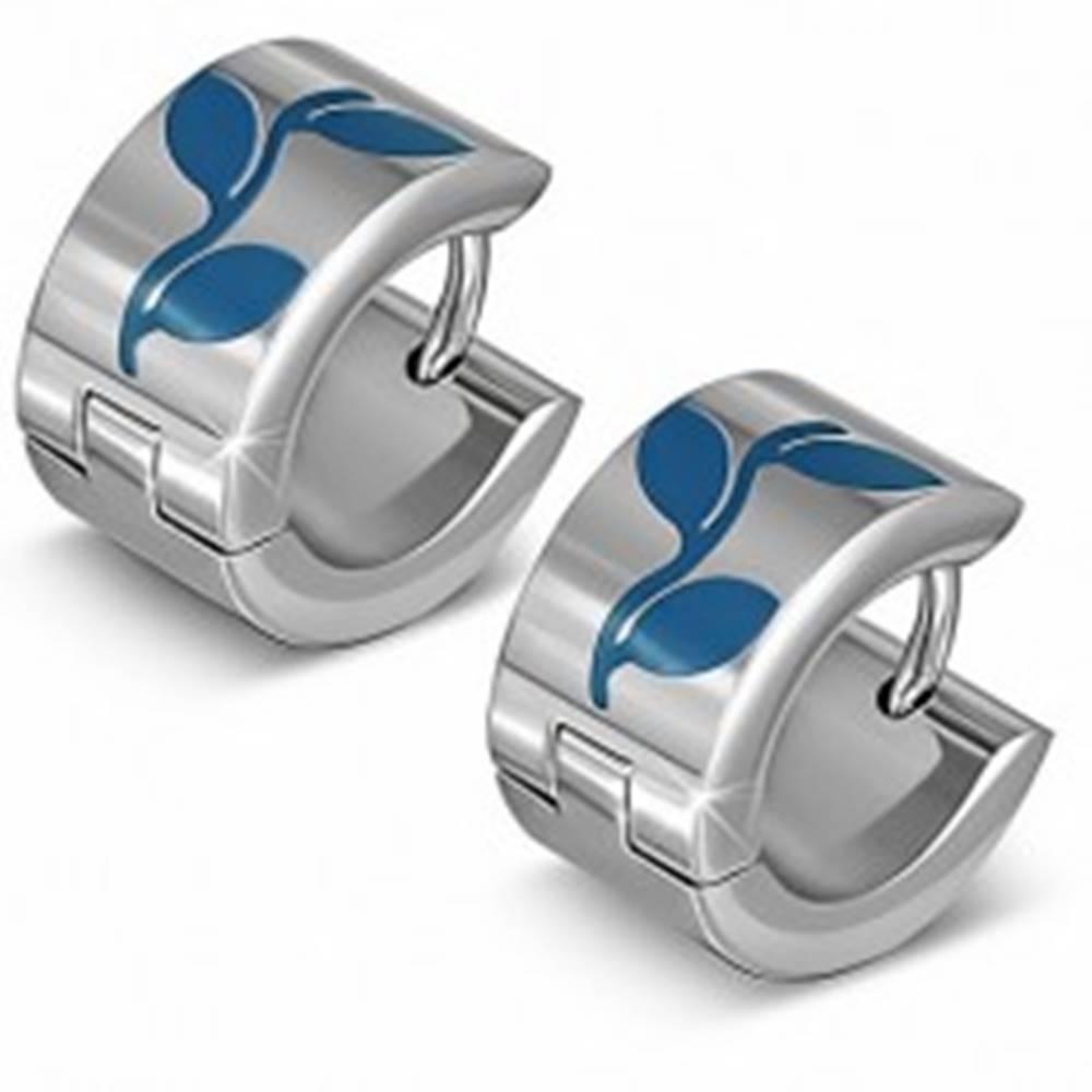 Šperky eshop Kruhové náušnice striebornej farby z ocele, modré siluety listov