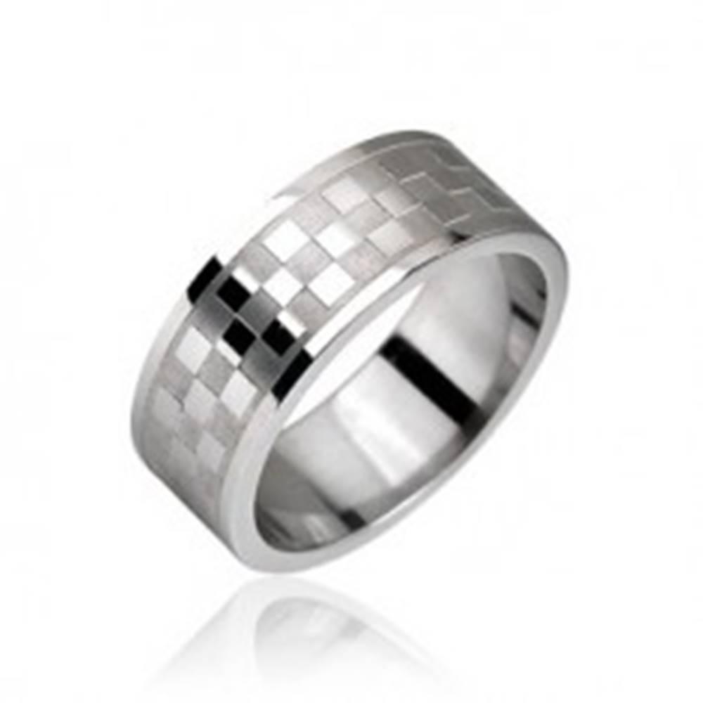 Šperky eshop Oceľový prsteň, vzor šachovnica - Veľkosť: 49 mm