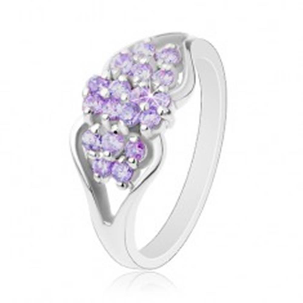 Šperky eshop Prsteň striebornej farby, rozdelené ramená, okrúhle farebné zirkóniky - Veľkosť: 51 mm, Farba: Svetlomodrá