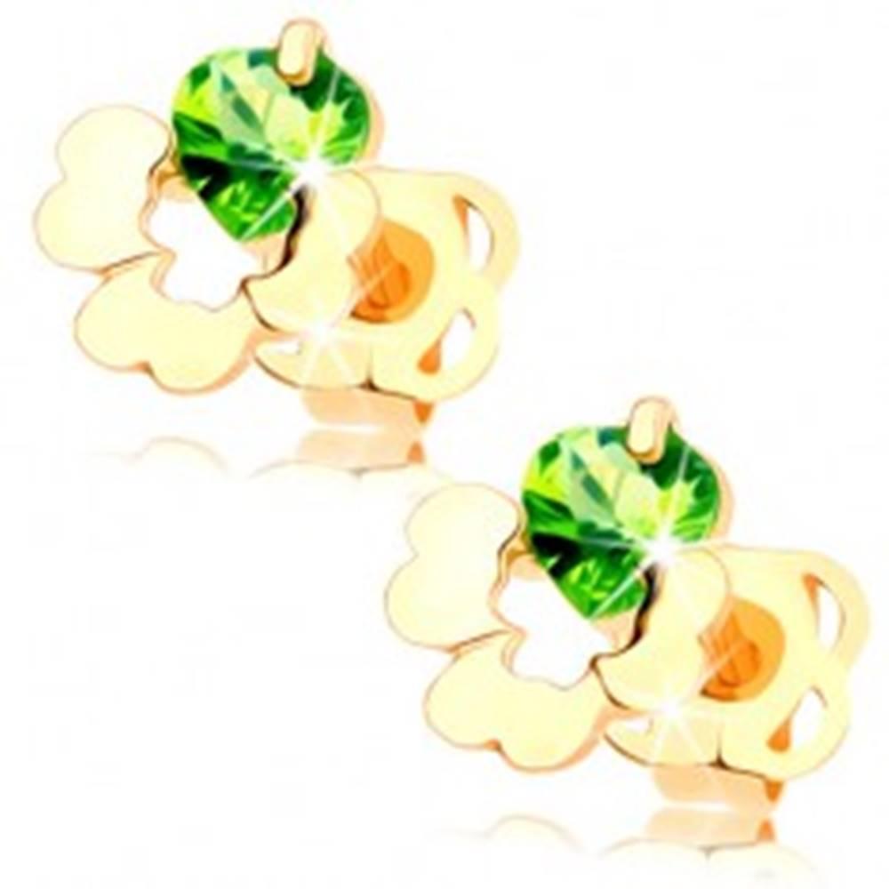 Šperky eshop Puzetové náušnice v žltom 14K zlate - štvorlístok s výrezom, zelený zirkónik