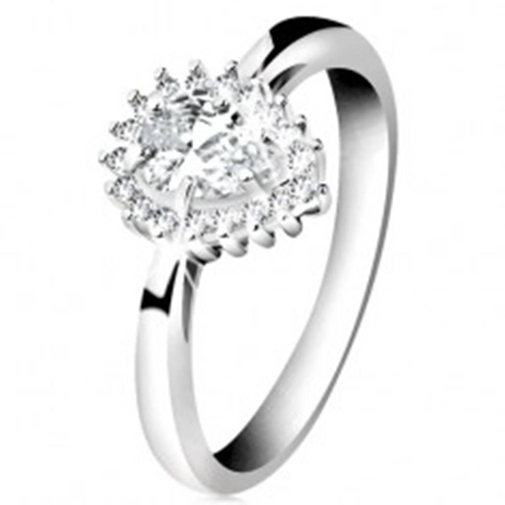 Šperky eshop Ródiovaný prsteň zo striebra 925, ligotavá kvapka z čírych zirkónov - Veľkosť: 50 mm
