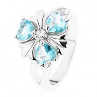 Ligotavý prsteň striebornej farby, kvietok so svetlomodrými srdiečkami - Veľkosť: 52 mm