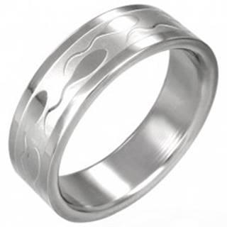 Oceľový prsteň – lesklý povrch, vyryté motívy žubrienok, 6 mm - Veľkosť: 51 mm