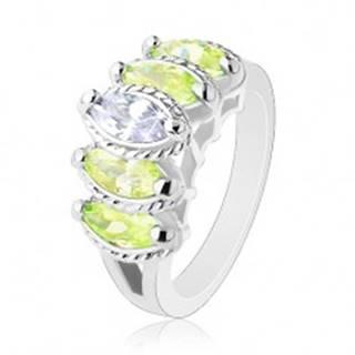 Prsteň s rozdelenými ramenami, zrnkové zirkóny svetlozelenej a čírej farby - Veľkosť: 52 mm