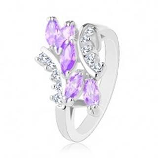 Prsteň v striebornej farbe, svetlofialové zirkónové zrnká, číre zirkóniky - Veľkosť: 49 mm