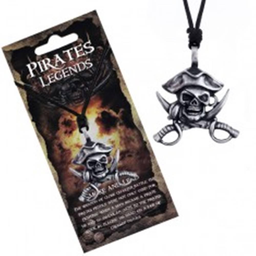 Šperky eshop Čierny náhrdelník - kovová lebka piráta s klobúkom a mečmi