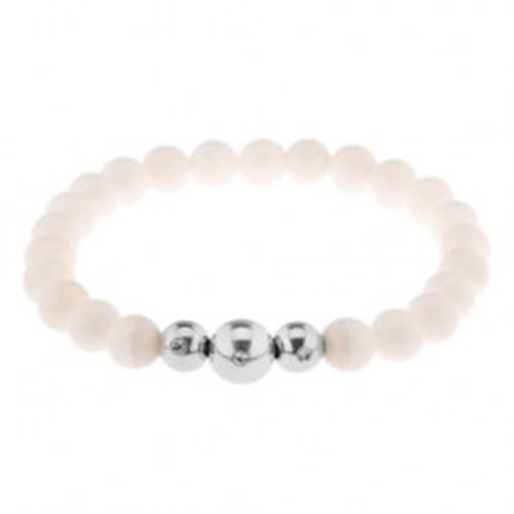Šperky eshop Elastický náramok na ruku, lesklé biele guličky, tri oceľové korálky