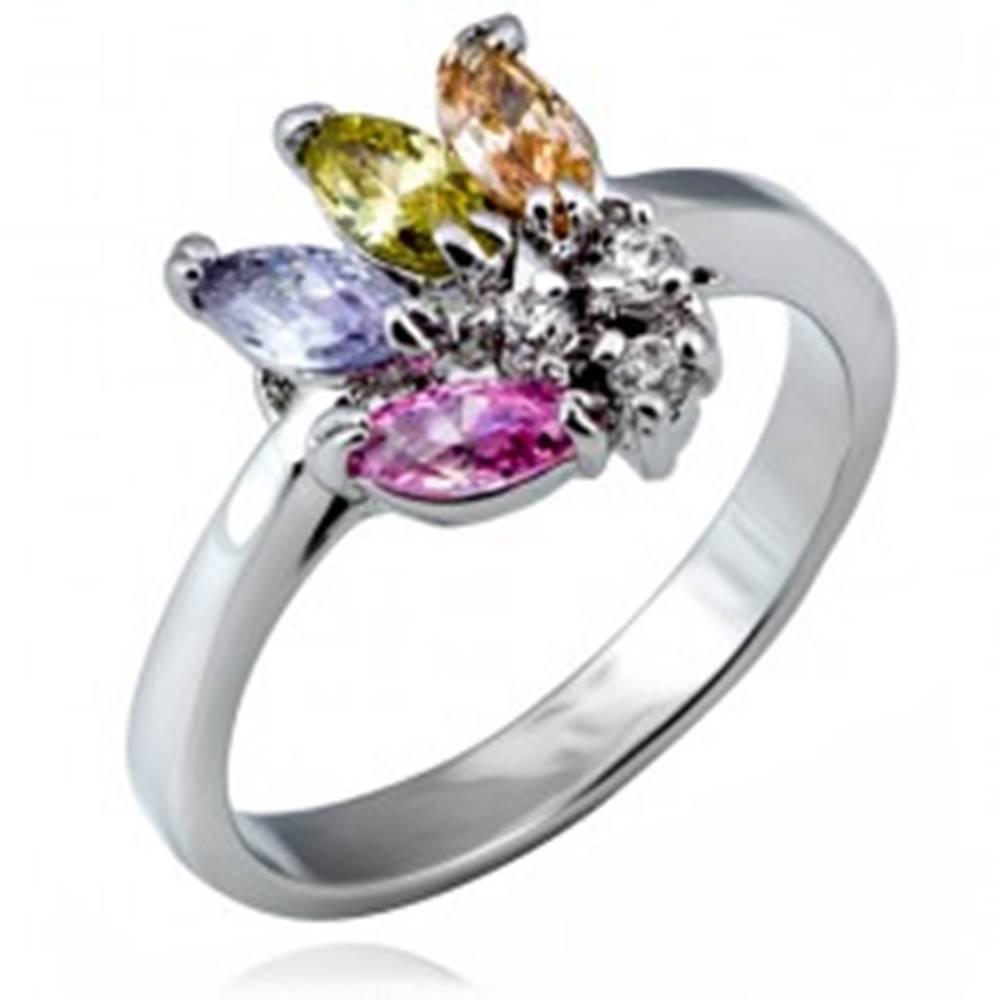 Šperky eshop Lesklý prsteň z kovu - vejár farebných zrnkových zirkónov - Veľkosť: 49 mm