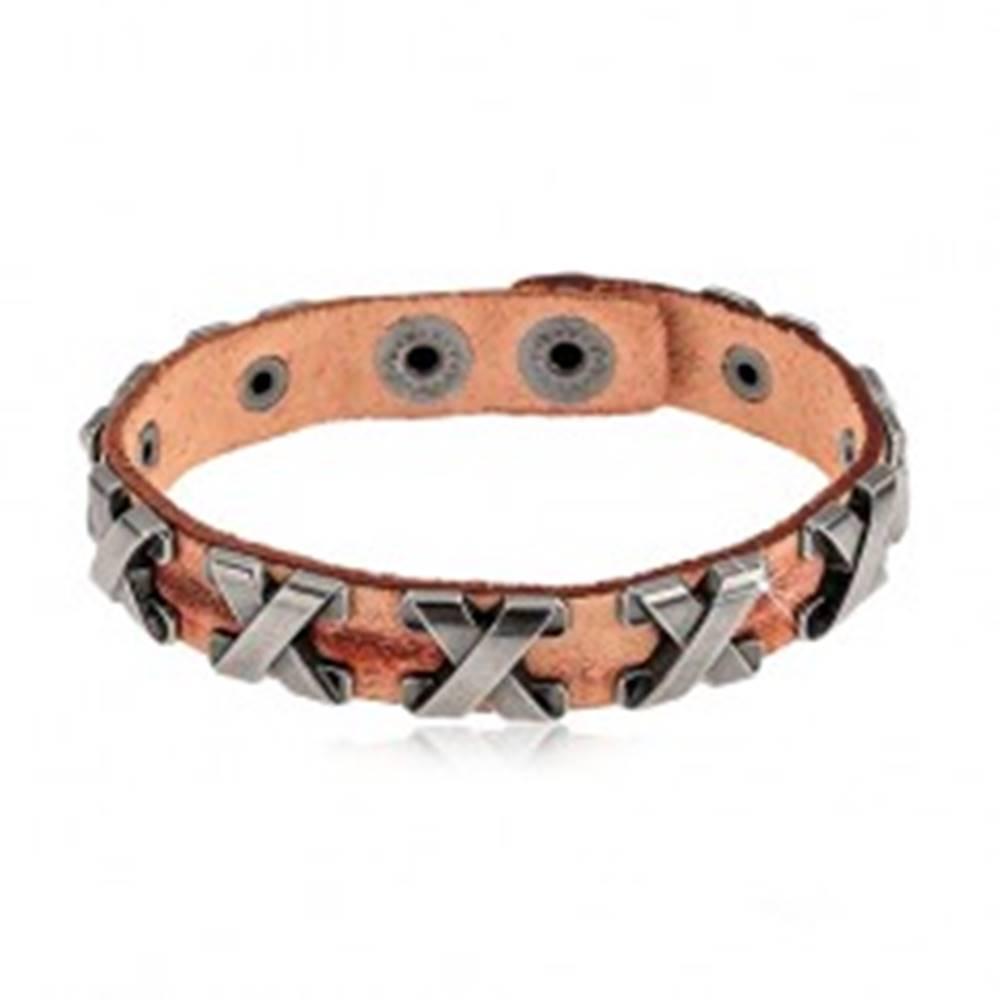 Šperky eshop Náramok zo syntetickej kože škoricovej farby, oceľové krížiky striebornej farby