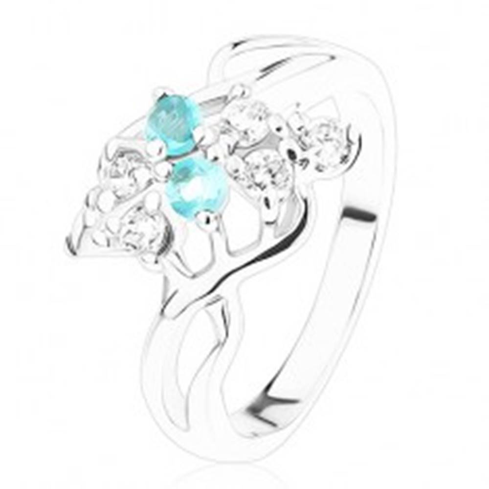 Šperky eshop Prsteň v striebornom odtieni, zirkóny čírej a akvamarínovej farby, vlnky - Veľkosť: 53 mm