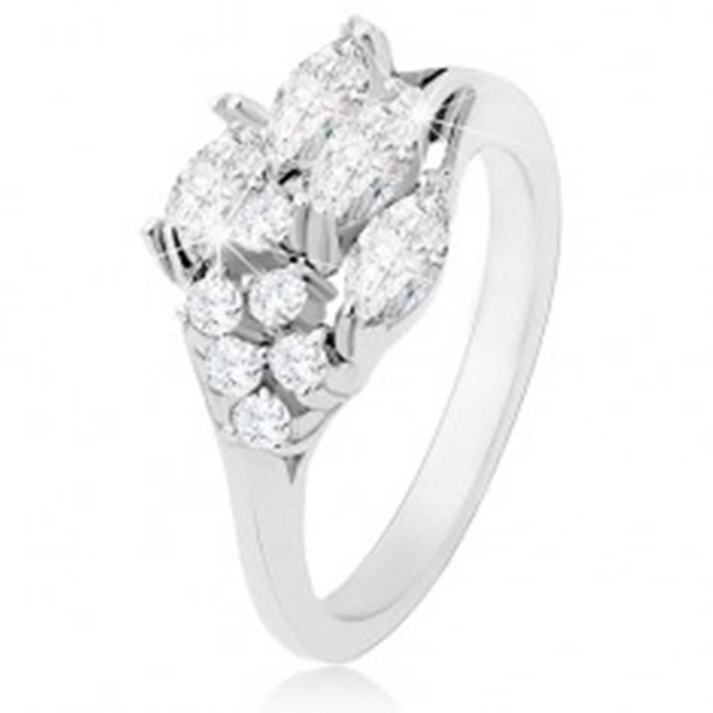 Šperky eshop Prsteň zdobený zrniečkovými a okrúhlymi zirkónmi čírej farby, lesklé ramená - Veľkosť: 49 mm