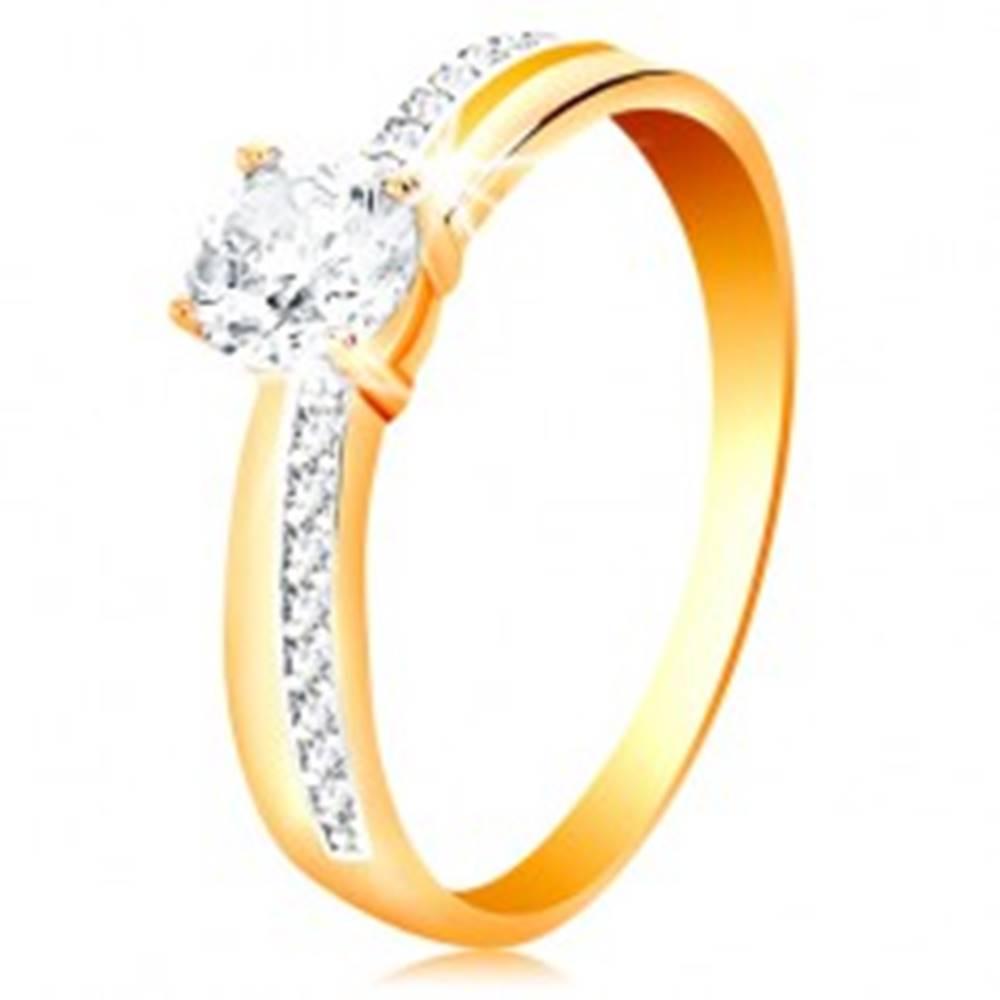 Šperky eshop Prsteň zo zlata 585 - úzke zirkónové línie na ramenách, veľký číry zirkón - Veľkosť: 50 mm