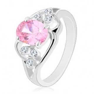 Prsteň v striebornej farbe, asymetrické línie, ružový ovál, číre zirkóny - Veľkosť: 49 mm