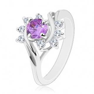 Prsteň v striebornom odtieni, okrúhly fialový zirkón, ligotavé číre oblúky - Veľkosť: 49 mm