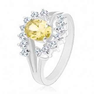 Prsteň v striebornom odtieni, zirkónový ovál žltej farby, číre oblúčiky - Veľkosť: 49 mm