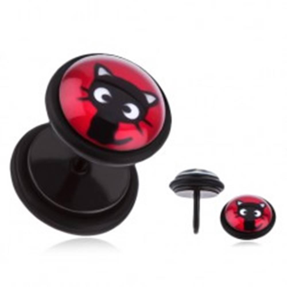 Šperky eshop Oceľový fake plug do ucha - sediace čierne mačiatko, červený podklad