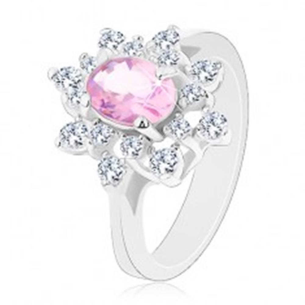 Šperky eshop Prsteň striebornej farby, žiarivý kvet so zirkónmi, hladké ramená - Veľkosť: 48 mm