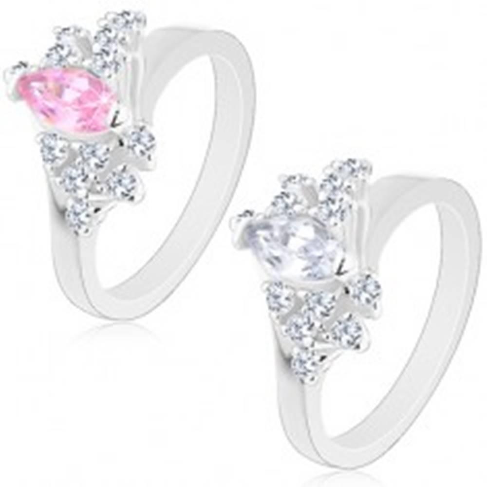 Šperky eshop Prsteň v striebornej farbe, šikmé línie čírych zirkónov, veľké brúsené zrnko - Veľkosť: 48 mm, Farba: Ružová
