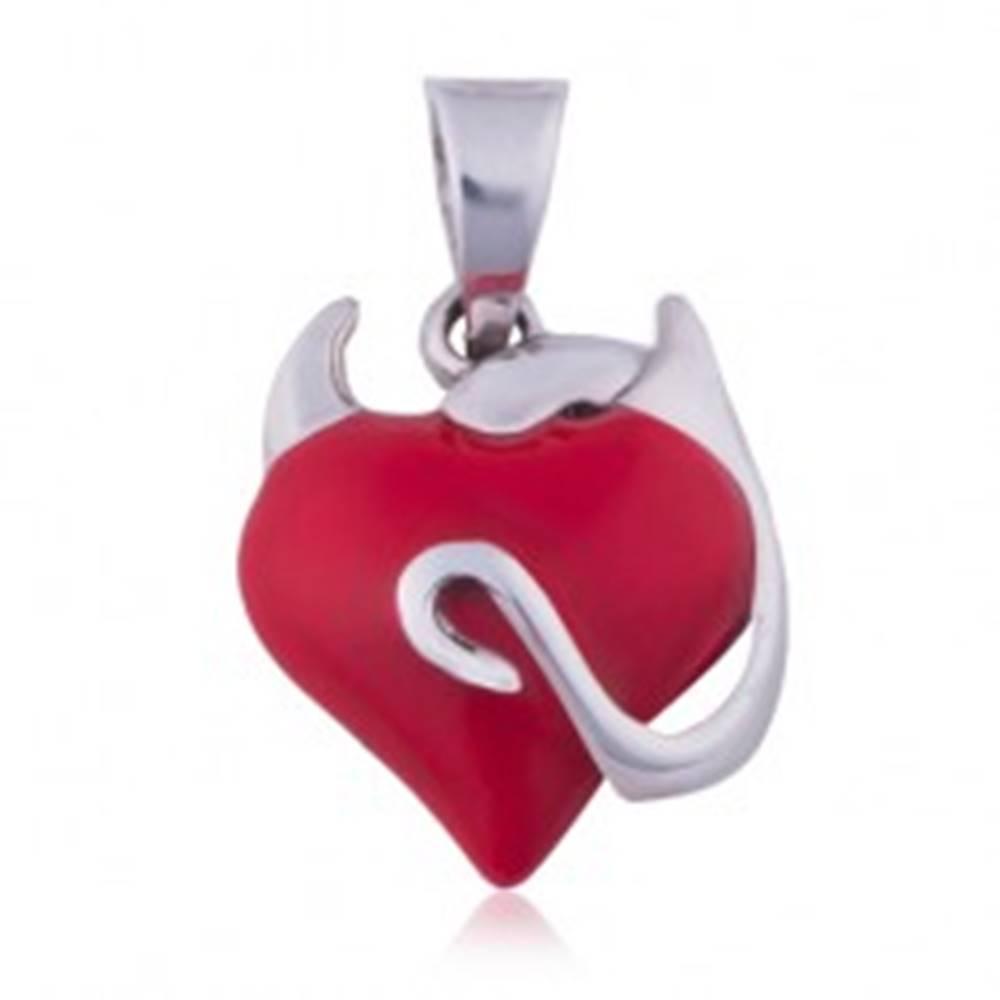 Šperky eshop Strieborný prívesok 925 - srdiečko červenej farby, zatočený chvostík, rožky