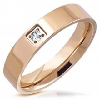 Lesklý prsteň z ocele - medený odtieň, okrúhly brúsený zirkón v štvorcovej objímke, 5 mm - Veľkosť: 51 mm