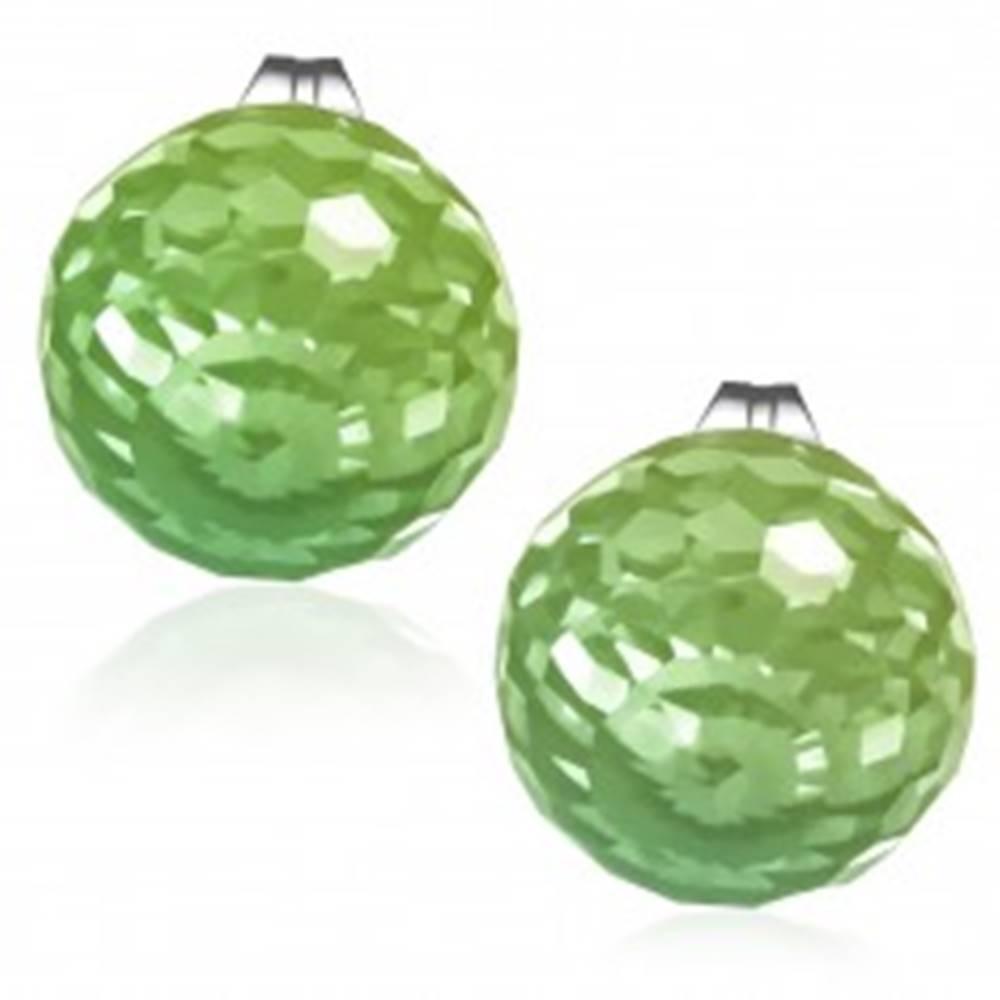 Šperky eshop Náušnice z ocele, brúsená sklenená korálka zelenej farby