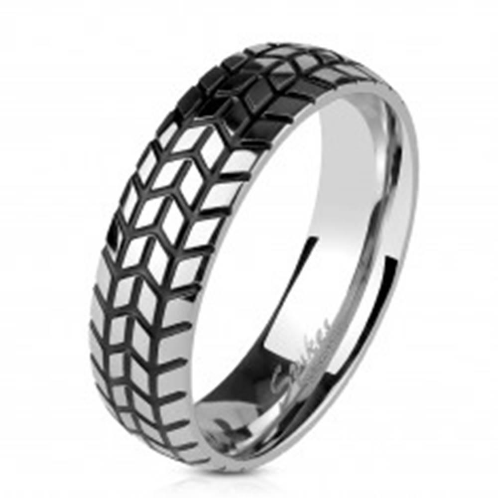 Šperky eshop Oceľová obrúčka striebornej farby, štrukturovaný dezén pneumatiky, 6 mm - Veľkosť: 60 mm