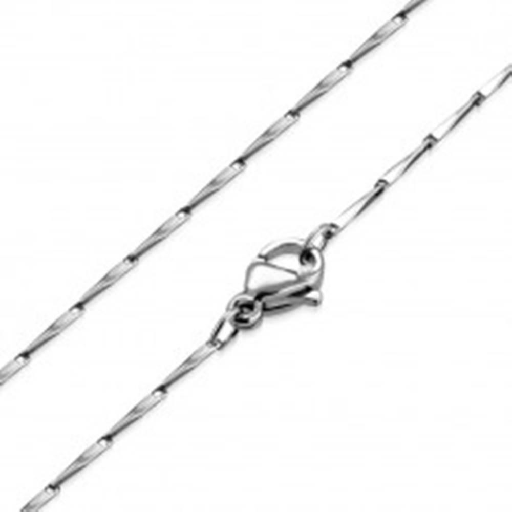 Šperky eshop Retiazka z ocele - skosené hranoly, lesklý povrch striebornej farby, 1 mm