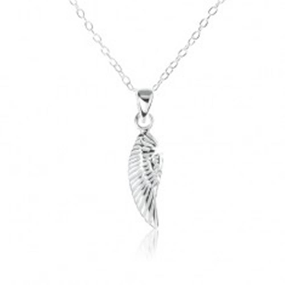Šperky eshop Strieborný náhrdelník 925, ozdobne gravírované anjelské krídlo