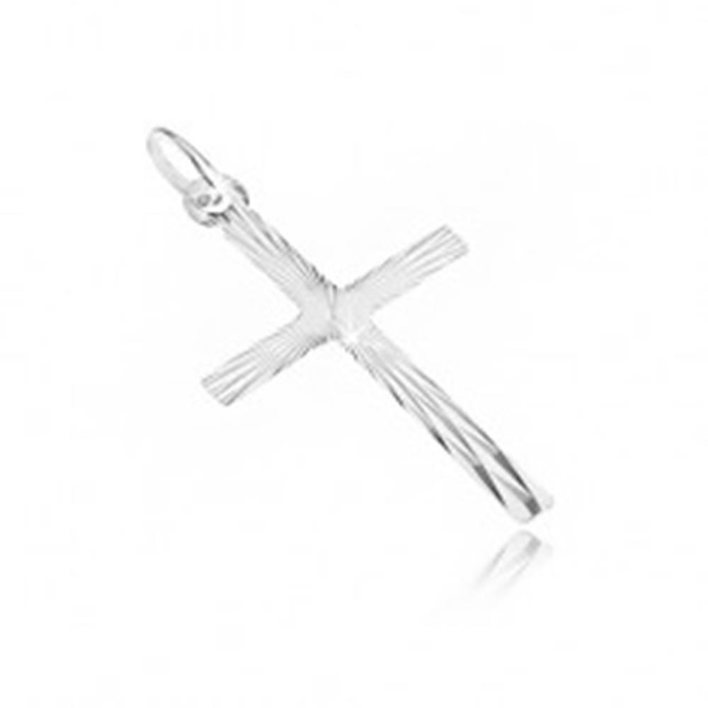 Šperky eshop Prívesok z bieleho zlata 14K - krížik s tenkými zrkadlovými plôškami