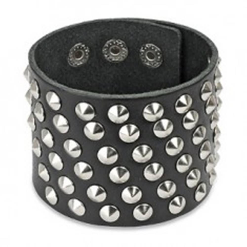 Šperky eshop Kožený náramok - široký, vybíjaný, oceľové kužele