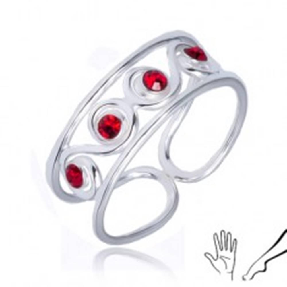 Šperky eshop Prsteň zo striebra 925 - esíčkový vzor s červenými kamienkami